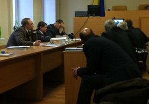 После ночного восьмичасового перерыва суд возобновил рассмотрение дела Луценко