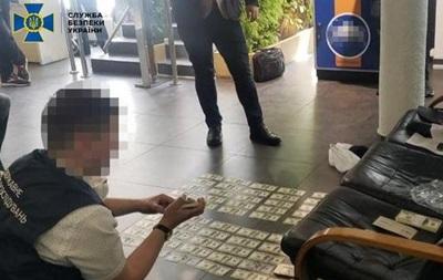 Прокурор і СБУшник обіцяли закрити кримінальну справу за $100 тисяч