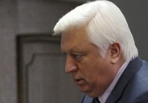 Пшонка назвал  выдумками  фотографии, на которых Тимошенко демонстрирует гематомы