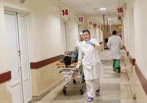 В Киевской области посетитель больницы нанес врачу девять ножевых ранений