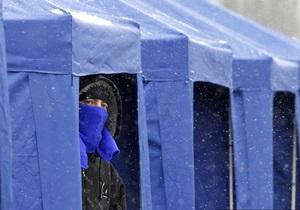 СМИ: Возле здания ЦИК около десяти автобусов выгрузили людей