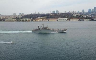 Два великі десантні кораблі РФ увійшли в Чорне море