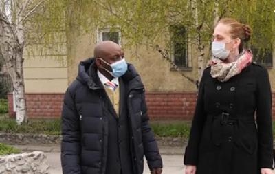 Скандал в Запорожье: таксист отказался везти темнокожего пассажира