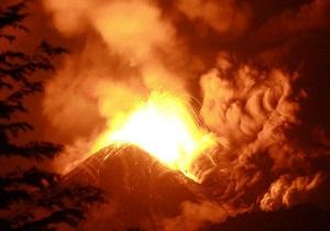В Чили началось извержение гряды вулканов