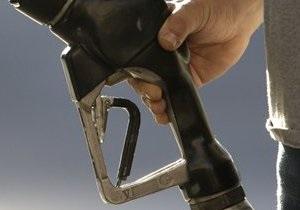 Эксперты: В Украине вновь подорожал бензин