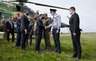Зеленский с послами G7 прибыл на Донбасс