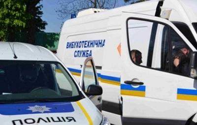 В Киеве  заминировали  аэропорт и ряд больниц