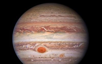 Отримано нові приголомшливі знімки Юпітера