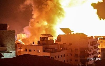 Израиль нанес удары по домам пяти командиров ХАМАС