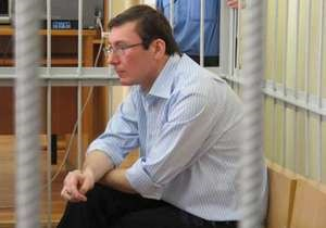 Суд допросил потерпевшего, который якобы из-за Луценко не получил квартиру