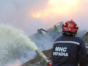 Спасатели ликвидировали пожар на химическом складе в Лозовском районе