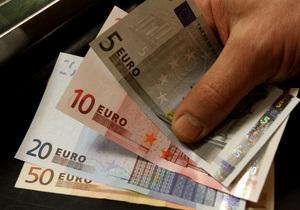 Евро близок к двухмесячному минимуму к доллару