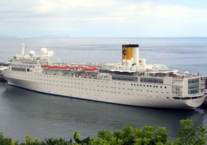 Круизный лайнер владельцев Costa Concordia загорелся у берегов Сейшел