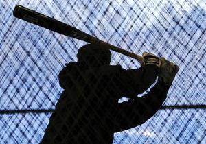 В Херсоне парковщика в ответ на требование оплатить стоянку избили бейсбольными битами