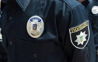 У Києві чоловік кидався з ножем на перехожих