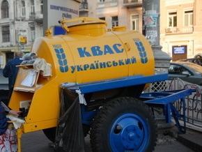 В Киевской области подростки укатили две бочки с квасом и пивом