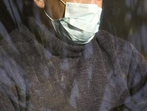 В Феодосии мужчина в медицинской повязке ограбил заправку