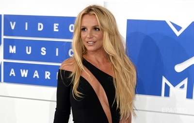 Бритни Спирс уходит из шоу-бизнеса - СМИ