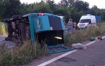 На Луганщині перекинулася маршрутка з пасажирами