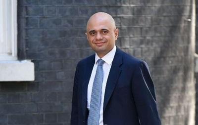 Глава МОЗ Британії захворів COVID незважаючи на два щеплення