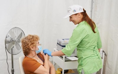 В Украине начали применять вакцину Moderna