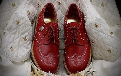 Представлені найдорожчі у світі чоловічі туфлі з діамантами