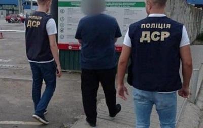 Из Украины выдворили еще одного  криминального авторитета  из списка СНБО
