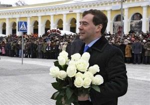 Источник: Медведев планирует приехать на инаугурацию Януковича