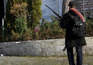 Полиция ликвидировала преступника, открывшего огонь возле мечети Султанахмет в Стамбуле