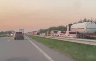 На Одеській трасі через ДТП утворився багатокілометровий затор
