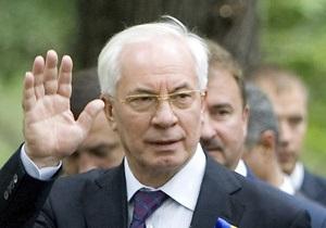 Азаров завтра отправится в Обухов, чтобы лично поздравить новоизбранного мэра-регионала