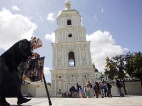 Исследование: Наибольшим доверием украинцев пользуются церковь и СМИ