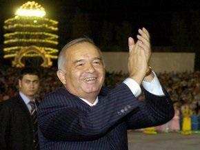 Президент Узбекистана станцевал с послом Туркменистана