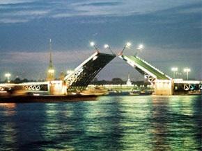 В Санкт-Петербурге заклинило Дворцовый мост
