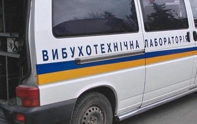 В Киеве мужчина забаррикадировался и угрожает взорвать многоквартирный дом