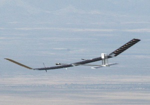 Самолет на солнечных батареях успешно завершил беспрерывный двухнедельный полет
