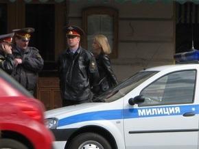 Российских гаишников, пригласивших на работу стриптизера, уволили