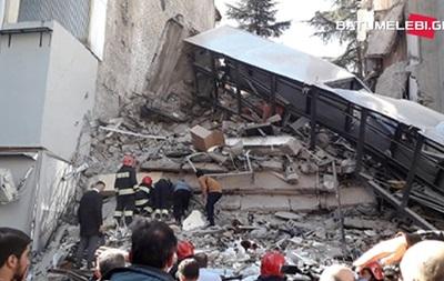 Обвалення будинку в Батумі: під завалами до 15 осіб