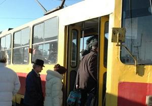 В Киеве проездные билеты на все виды транспорта заменят электронными карточками