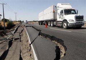 Число жертв землетрясения в Чили продолжает расти