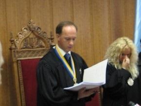 Киевский судья объяснил, что мобильные за $30 тысяч ему подарили, а на самолет он заработал