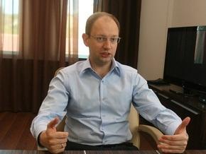 Яценюк советует готовиться ко второй волне кризиса