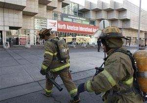 Из-за возгорания автомобиля в автосалоне Детройта эвакуированы несколько тысяч человек