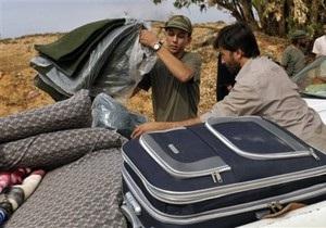 Жители ливийского Сирта бегут из города во время перемирия