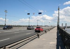 Из-за строительства развязки на мосту Патона до конца весны будут пробки
