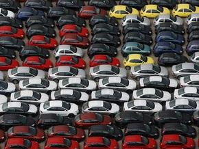 В Украине цены на авто у неофициальных дилеров снизились в два раза