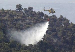 При тушении лесного пожара в Испании разбились два вертолета
