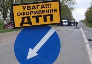 В Ровенской области грузовик столкнулся с легковым автомобилем, трое россиян госпитализированы