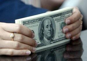 Межбанк открыл неделю понижением котировок по доллару