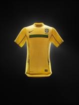 Новая футбольная форма сборной Бразилии Nike
